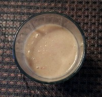 Yummy vegan cinnamon apple smoothie with applesauce!