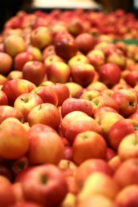 pile of fresh delicious healthy red apples